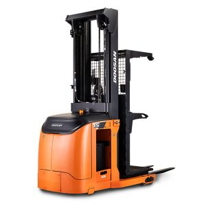 warehouse vehicles by doosan